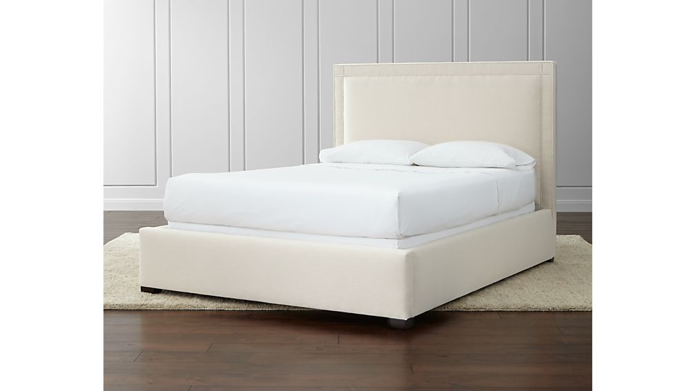 Border Queen Bed