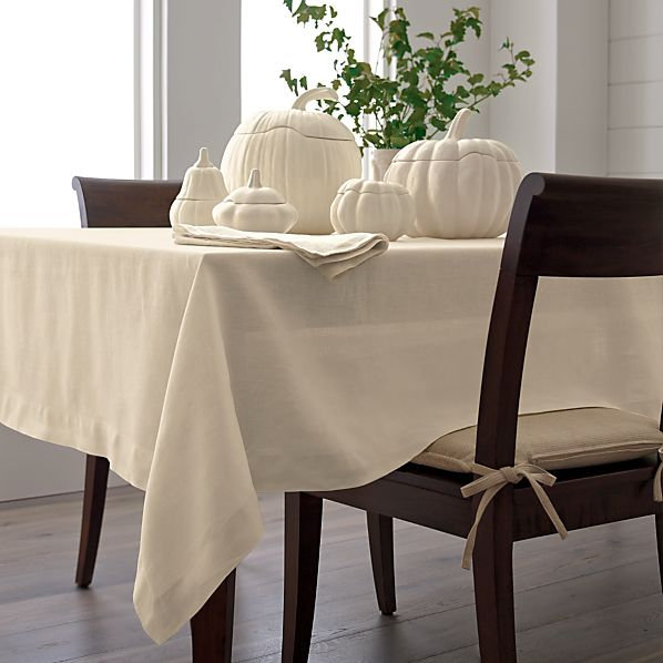 Helena Vanilla Tablecloth
