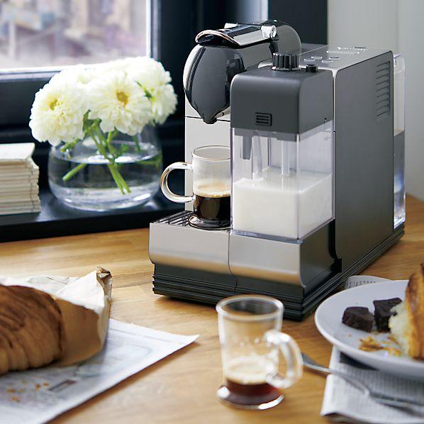 DeLonghi ® Black Nespresso ® Lattissima Plus Espresso Maker