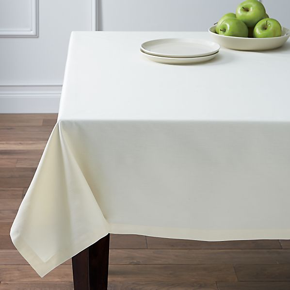 "Fete Vanilla 60""x90"" Tablecloth"