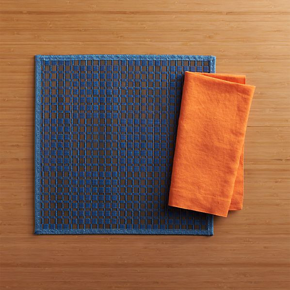 Flatts Blue Placemat and Fete Pumpkin Cotton Napkin
