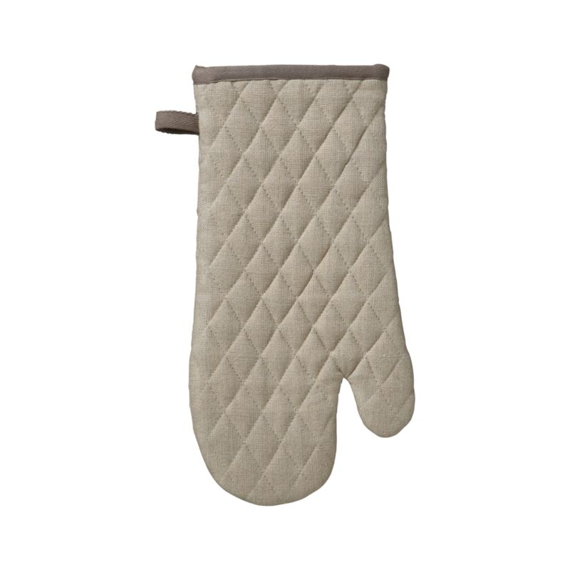 Sophisticated neutral kitchen mitt is crafted in natural linen with taupe contrast trim and hanging loop, cotton lining and distinctive diagonal quilting.<br /><br /><NEWTAG/><ul><li>100% linen body</li><li>100% cotton filling</li><li>Machine wash</li><li>Made in India</li></ul>