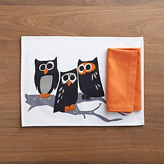 Hoot Placemat and Fete Pumpkin Cotton Napkin