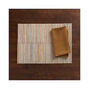 Hyacinth Metallic Placemat and Sateen Gold Napkin