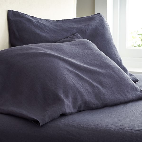 Set of 2 Lino Dark Blue Linen Standard Pillow Cases