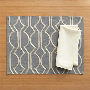Martini Placemat and Sateen Ivory Napkin