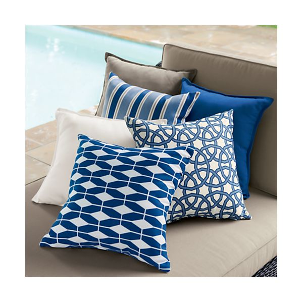 OutdoorPillowsAV1OFRG15
