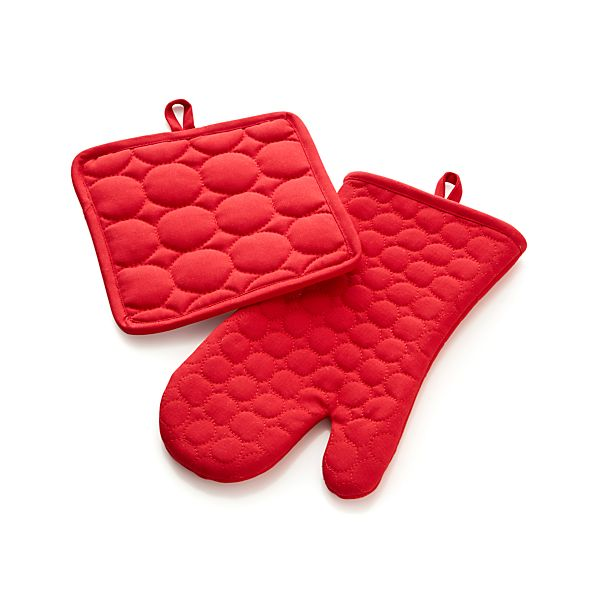 Crimson Red Circle Quilted Pot Holder and Oven Mitt