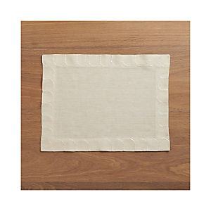Scallop Linen Placemat