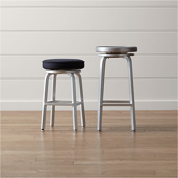 Spin Backless Bar Stools and Cushion