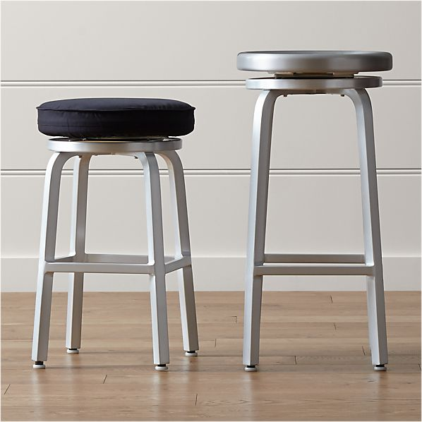 Spin Bar Stools and Cushion