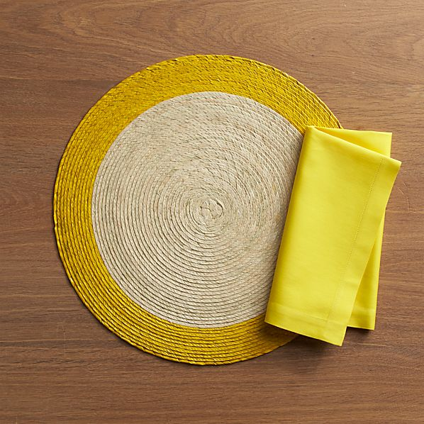 Tropic Palm Yellow Trim Placemat and Fete Maize Cotton Napkin