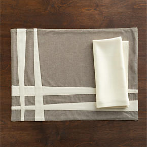 Tyler Placemat and Sateen Ivory Napkin