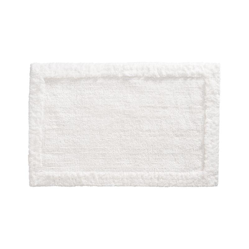 Treat your feet to the plush comfort of 100% cotton, looped and sheared to create a super soft and absorbent. Reversible bordered pattern.<br /><br /><NEWTAG/><ul><li>100% cotton</li><li>1,740 gram weight</li><li>Machine wash</li><li>Made in India</li></ul>