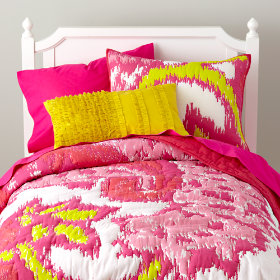 Pixel Paisley Bedding