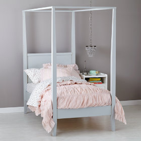 Royal Canopy Bed