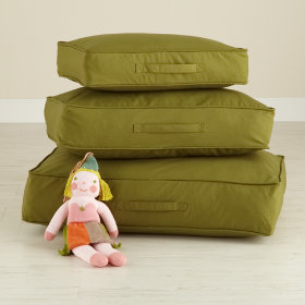 Laying Low Cushion (Green)