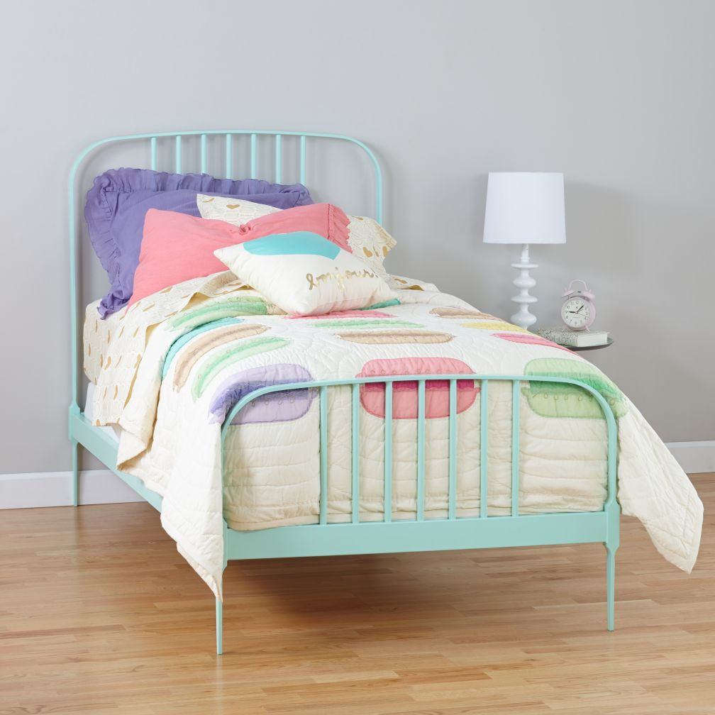 Kids Beds Starting At 499 The Land Of Nod