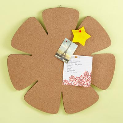Day-to-Day Daisy Corkboard