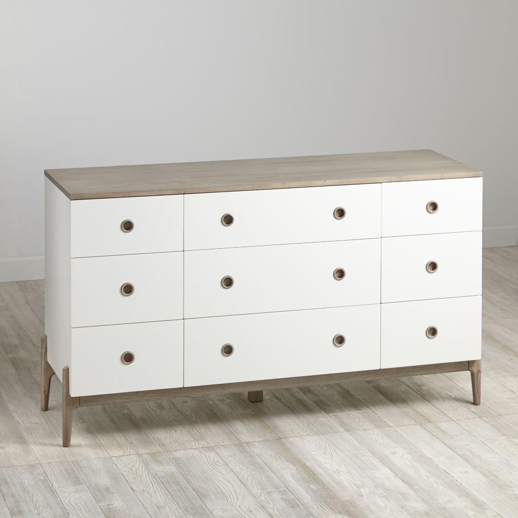 Wrightwood 9-Drawer Dresser