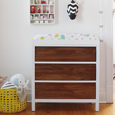 Furniture_Andersen3Drsr_Walnut_ALT_0414