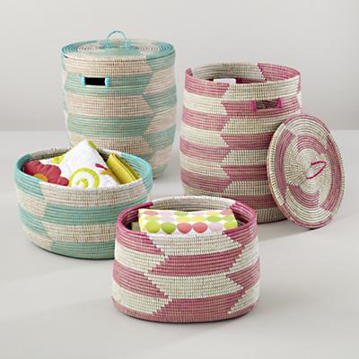 Charming Baskets (Herringbone)